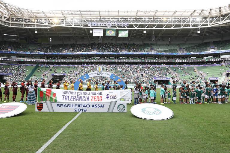 A palhaçada da torcida única ganhou força no jogo entre Palmeiras e Flamengo, no Allianz Parque