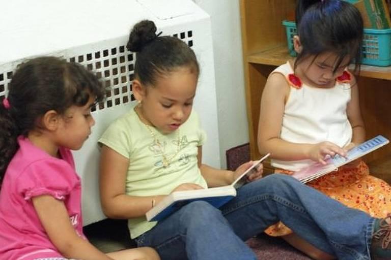 'As crianças não precisam de muitas coisas. Precisam de poucas, mas com muita intensidade', diz professora