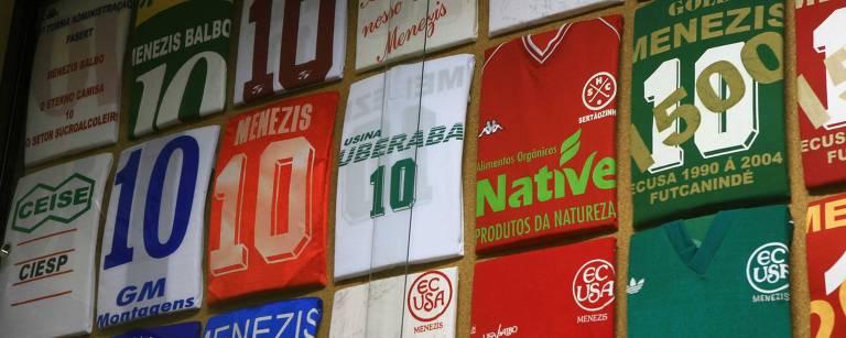 Camisas de futebol explicam a evolução econômica brasileira