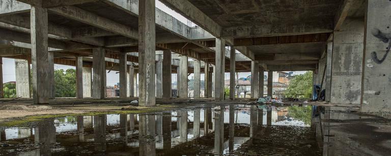 São Paulo gastou R$ 1,4 bilhão em 106 obras que hoje estão paradas