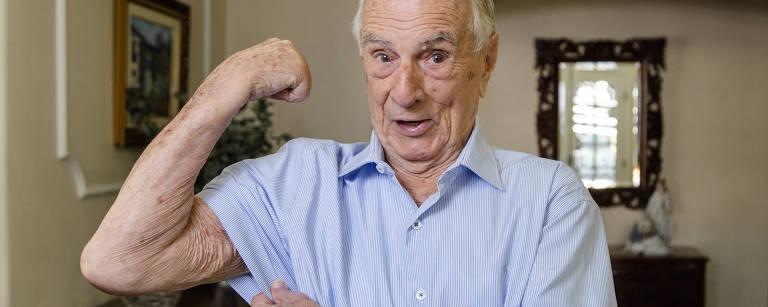 Perto de completar 100 anos, Orlando Drummond ganha biografia e diz: 'Não se esqueçam de mim'