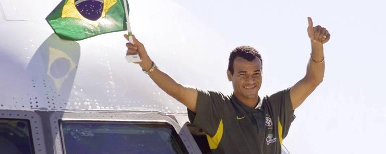 Capitão da seleção no penta, Cafu enfrenta dívidas milionárias