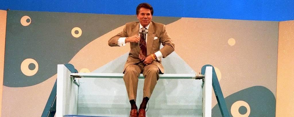 Silvio Santos sobe em aquário, e depois cai na água, no Topa Tudo Por Dinheiro, em 13 de agosto de 1992