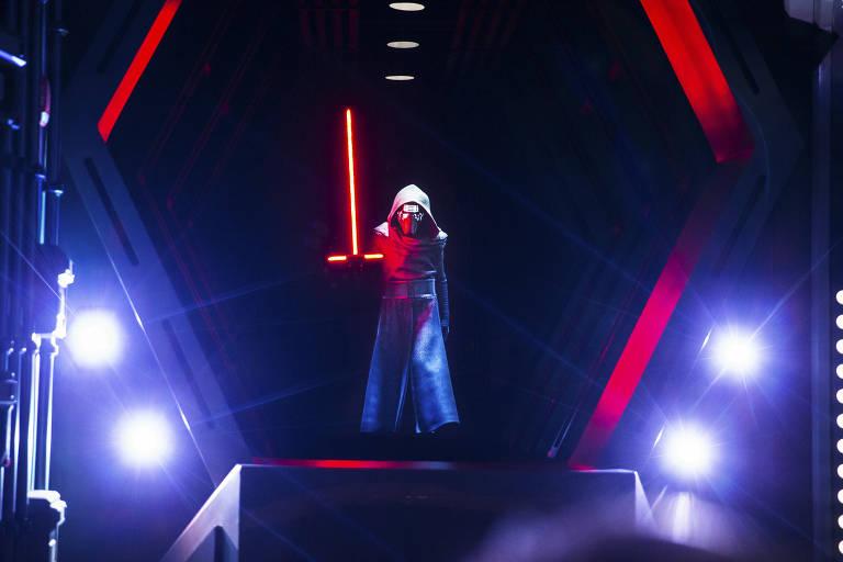 Novo simulador da Disney de Orlando coloca visitante para lutar ao lado de jedi