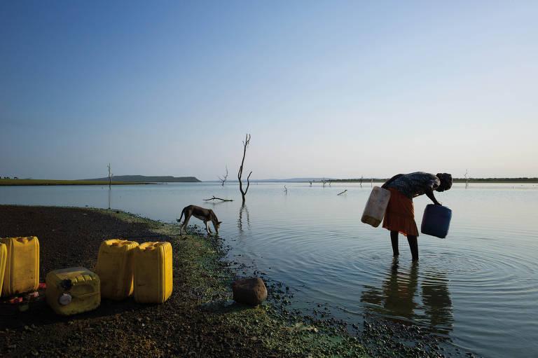 Fotógrafo testemunha crise da água no mundo