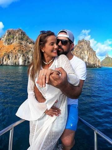 Cantor Sorocaba e a noiva Biah Rodrigues