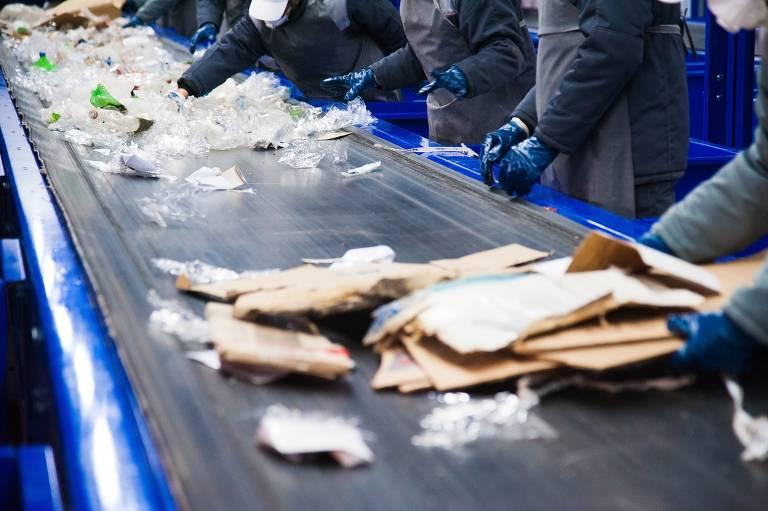 Separação de resíduos na sede da Polen, no Rio de Janeiro. A empresa foi criada por Renato Paquet, formado em ecologia pela UFRJ (Universidade Federal do Rio de Janeiro)