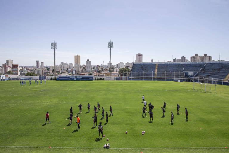 Estádio Anacleto Campanela, em São Caetano, recebeu o jogo do Expressão contra o Água Santa