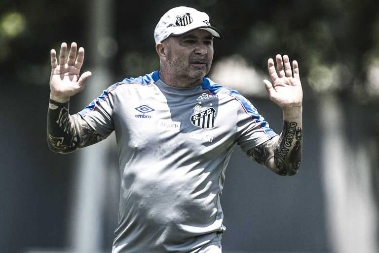 Não consigo imaginar os motivos que levaram o Santos a manter Jorge Sampaoli por toda a temporada