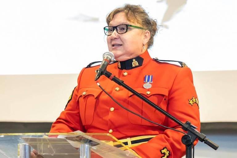 A policial canadense Stephanie Ashton