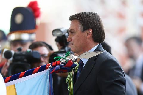 Bolsonaro faz aceno ao Supremo, elogia recentes decisões e fala em 'nosso STF'