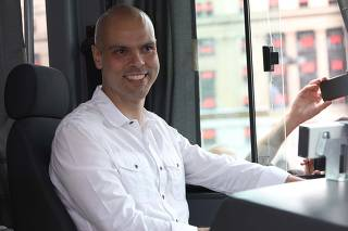 Bruno Covas novos ônibus elétricos na Prefeitura
