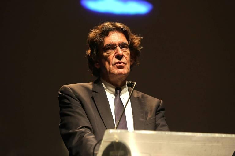 O filósofo francês Luc Ferry durante palestra no ciclo Fronteiras do Pensamento, em novembro, em São Paulo