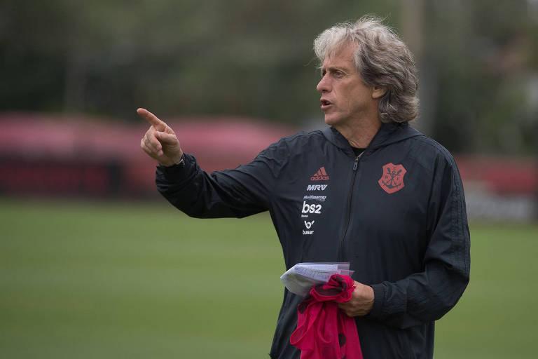 Jorge Jesus comanda treino do Flamengo antes da viagem ao Qatar