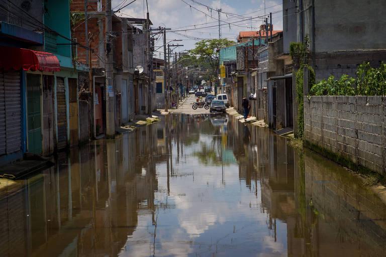 Moradores reclamam de falta de obra contra enchente na zona leste de SP