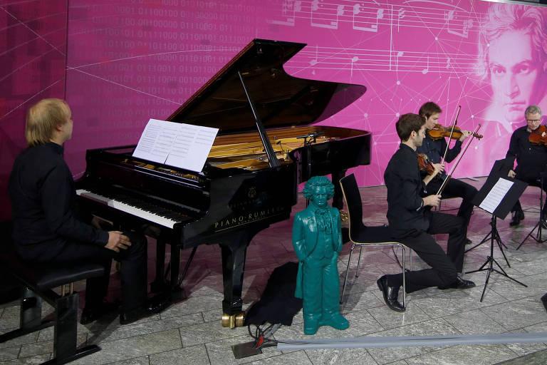 Deutsche Telekom AG apresenta parte de sinfonia inacabada de Beethoven
