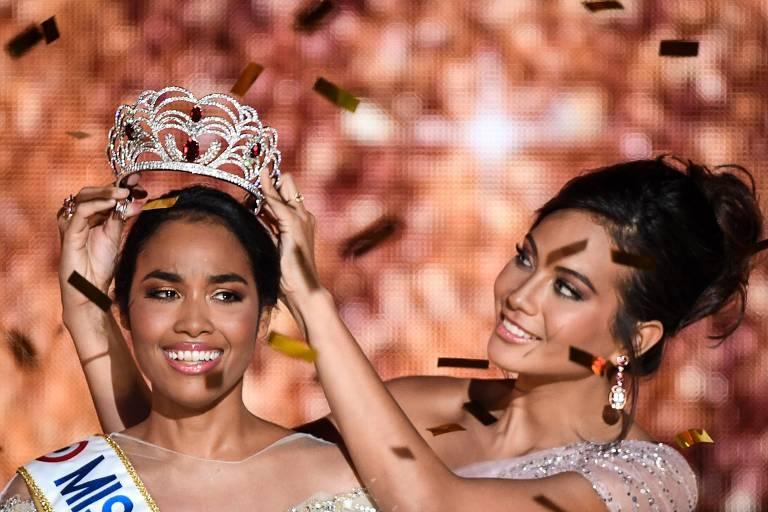 Clemence Botino é coroada Miss França 2020, em Marselha