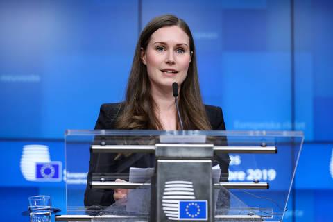 (191213) -- BRUSELAS, 13 diciembre, 2019 (Xinhua) -- La primera ministra de Finlandia, Sanna Marin, asiste a una conferencia de prensa al final de la Cumbre de la Unión Europea (UE), en Bruselas, Bélgica, el 13 de diciembre de 2019. (Xinhua/Zhang Cheng) (jg) (da)