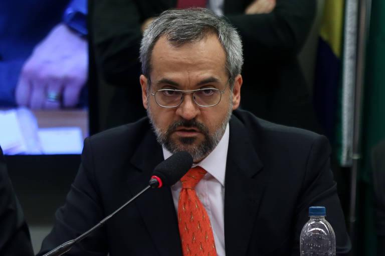 O ministro da Educação, Abraham Weintraub, participa de audiência pública na Comissão de Educação da Câmara dos Deputados, em Brasília (DF)