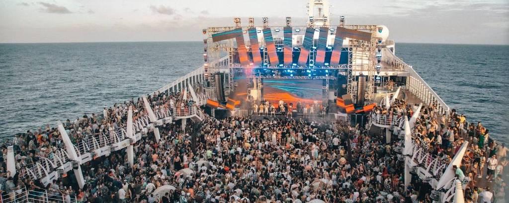 F5 - Música - Safadão comemora sucesso de WS on Board 2020 e fãs falam sobre as loucuras de estar no cruzeiro - 28/12/2019