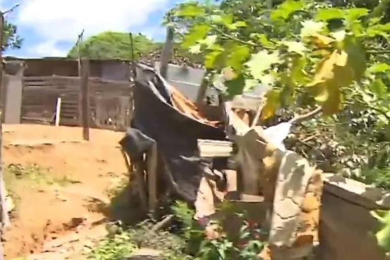 Local em que os motoristas de aplicativos foram encontrados mortos na periferia de Salvador