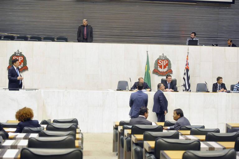 Deputados no plenário da Alesp em 3.dez.19
