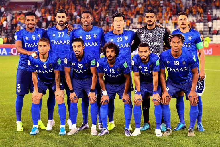 Equipe do Al-Hilal posa para foto antes da estreia no Mundial de Clubes contra o Espérance, da Tunísia