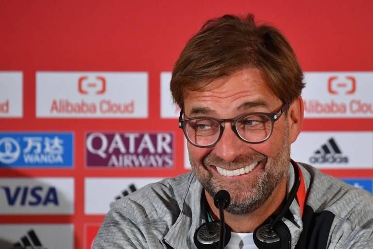 Jürgen Klopp concedeu entrevista coletiva em Doha nesta terça-feira (17)