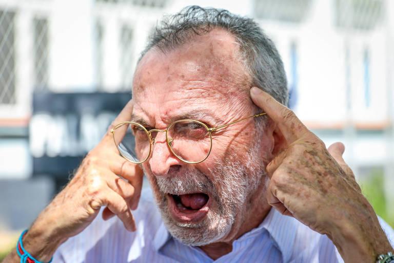 'O herói de Bolsonaro me torturou', diz jornalista preso por 9 anos pela ditadura