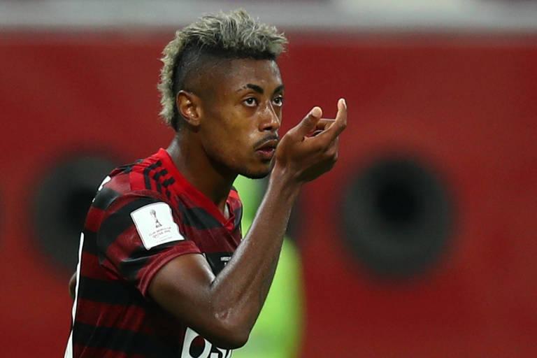 Bruno Henrique comemora segundo gol do Flamengo em Doha