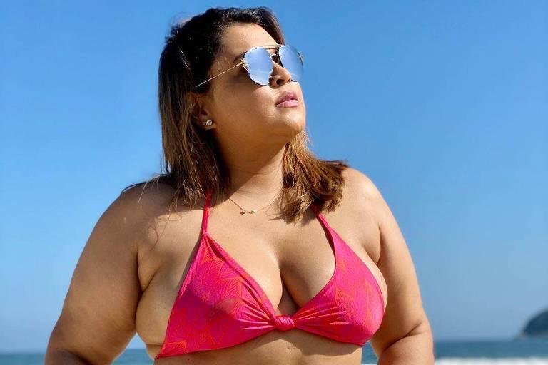 Preta Gil posta fotos de biquíni e seguidoras se dizem inspiradas: 'Mulher de verdade'