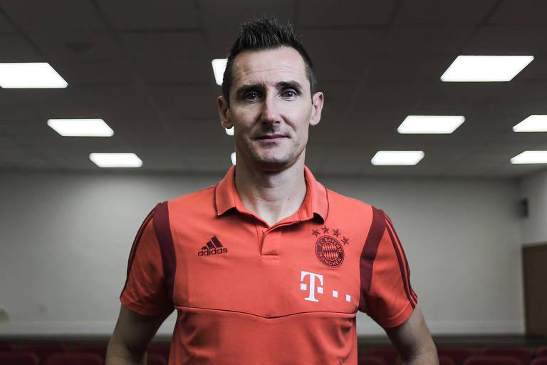 O ex-atacante Miroslav Klose, no estádio do Morumbi, em entrevista à Folha