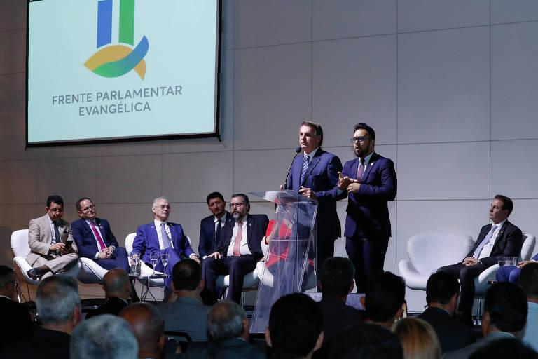O presidente Jair Bolsonaro discursa em conferência da bancada evangélica no Congresso, nesta quarta (18) em Brasília