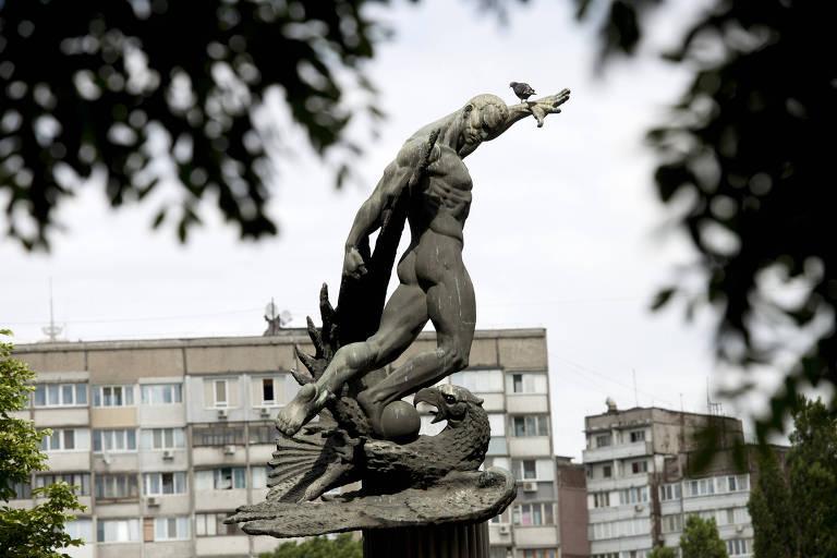 Estátua homenageia o FC Start como um símbolo da resistência ucraniana aos nazistas