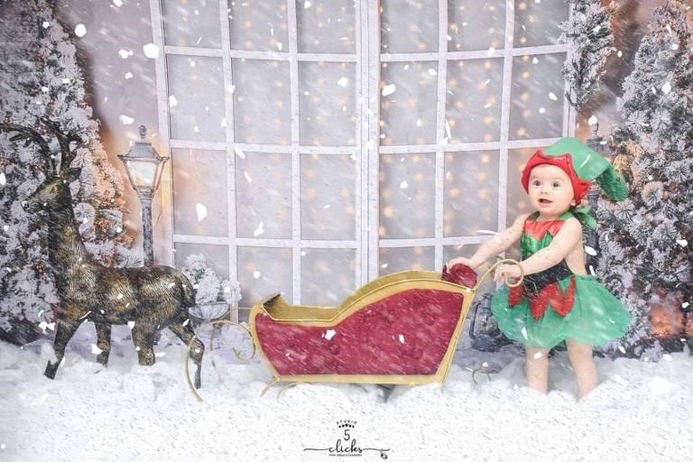 Liz, filha de Thaeme com Fábio Elias, faz ensaio de Natal