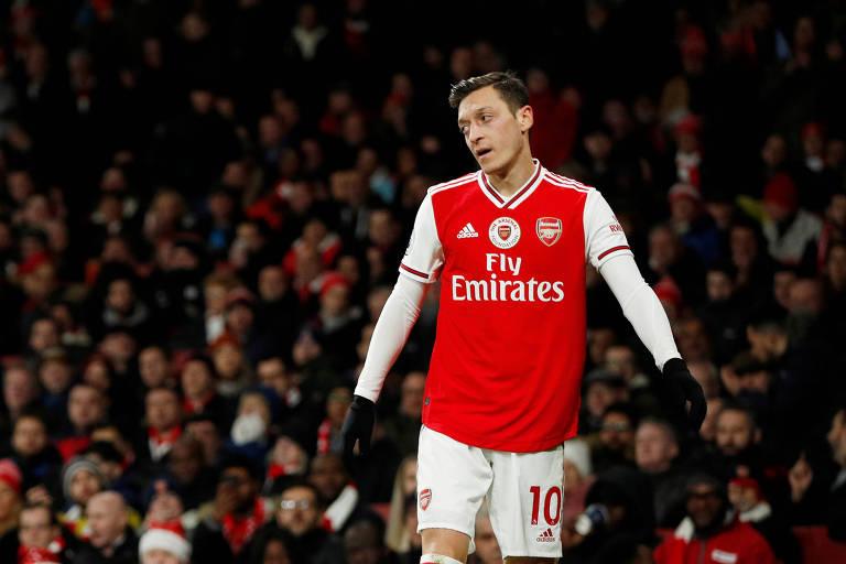 O meio-campista Mesut Özil, camisa 10 do Arsenal