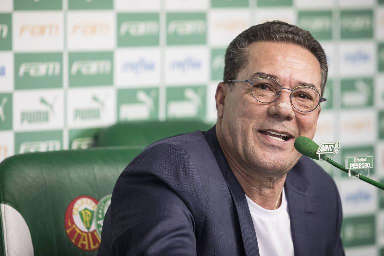 Técnico Vanderlei  Luxemburgo durante sua entrevista de apresentação na Academia de Futebol do Palmeiras