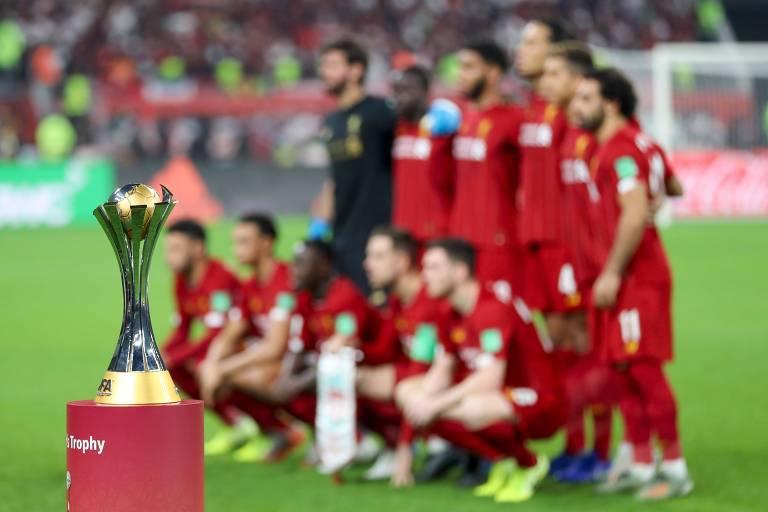 O time do Liverpool posa para foto antes da final contra o Flamengo