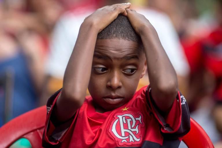 No Rio de Janeiro, torcedor do Flamengo reage a lance da final do Mundial