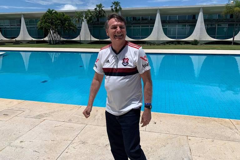 O presidente Bolsonaro recebe jornalistas no Palácio da Alvorada neste sábado (21), em Brasília