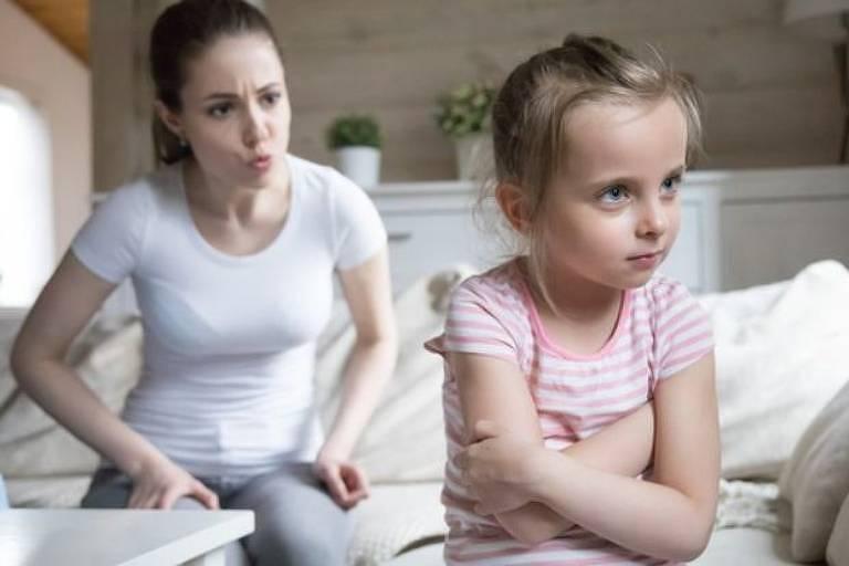 Por que a forma como elogiamos nossos filhos pode, sem querer, incentivá-los a mentir