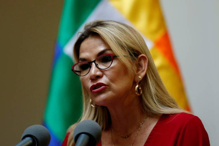 A presidente autoproclamada da Bolívia, Jeanine Añez, durante cerimônia no palácio presidencial, em La Paz