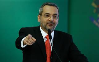 O ministro Abraham Weintraub, novo titular da Educação, em cerimônia de posse