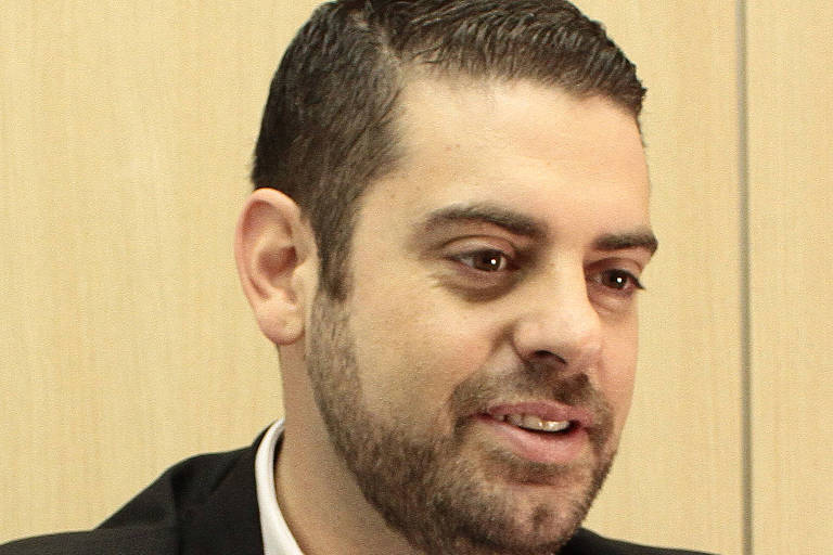 Danilo Molina - Jornalista, pós-graduado em comunicação pública e zelador espiritual do Centro de Umbanda Cavaleiros de Ogum