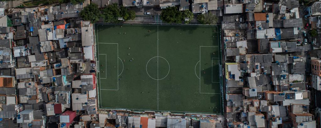 Vista aérea da Arena Palmeirinha, em Paraisópolis, comunidade para mais de 100 mil pessoas na zona sul de São Paulo
