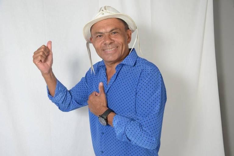 O cantor Aluízio Cruz