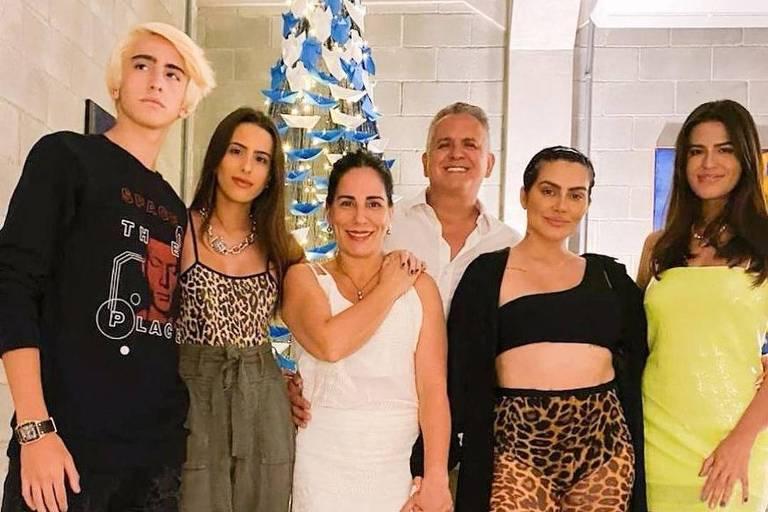 Filhas de Gloria Pires apostam na estampa oncinha