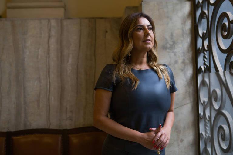 Juíza Renata Gil em entrevista para a Folha