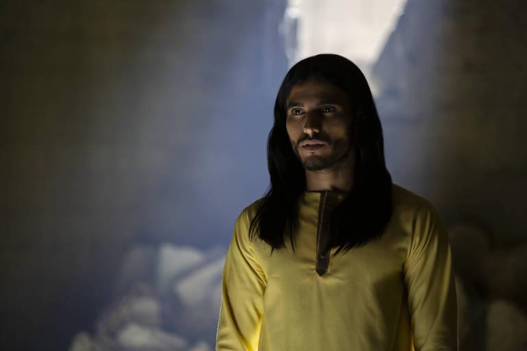 O ator Medhi Dehbi em cena de 'Messiah'