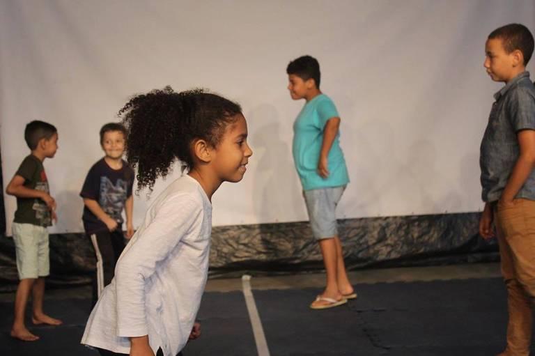 Ocupação Canhoba realiza ações com crianças todos os meses